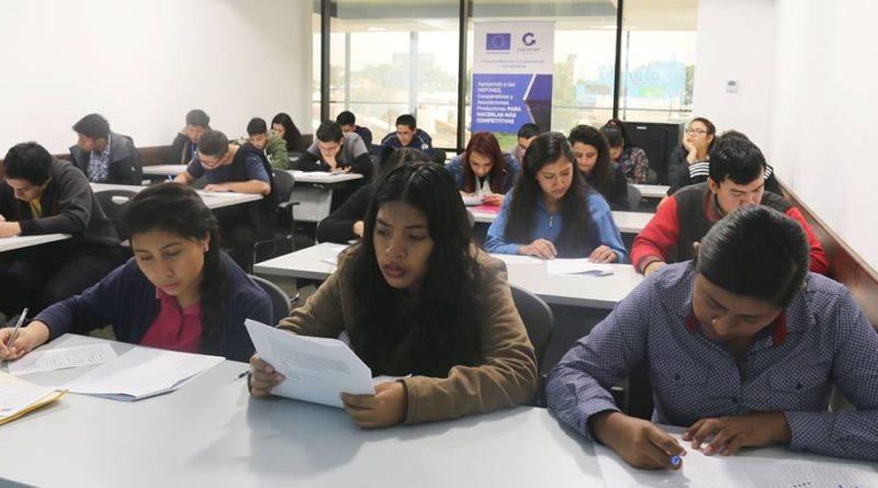 El programa que busca bajar la migración y subir el empleo aprendiendo inglés en 10 semanas