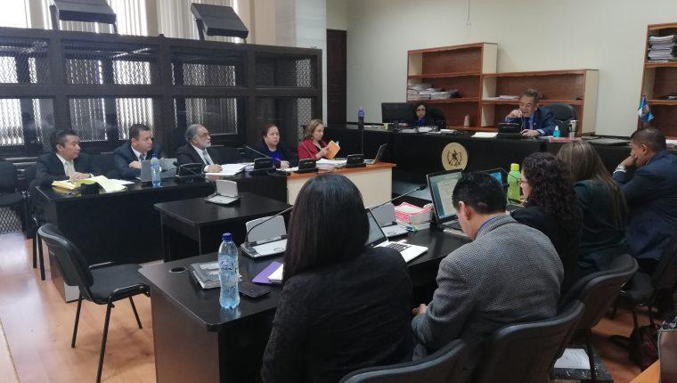 La audiencia del caso Cooptación se discute ante el juez Miguel Gálvez. (Foto Prensa Libre: Kenneth Monzón)