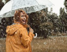 Podemos conservar nuestro maquillaje perfecto bajo la lluvia, si seguimos los consejos de los expertos. (Foto Prensa Libre: Servicios).