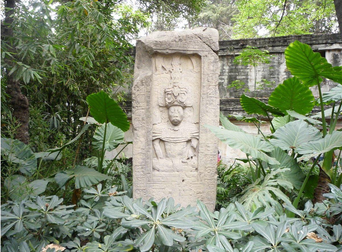 Fragmento arqueológico maya de Petén ya no será subastado en Francia