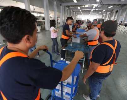 Empieza embalaje de cajas electorales que irán a EE. UU., donde 62 mil guatemaltecos pueden votar