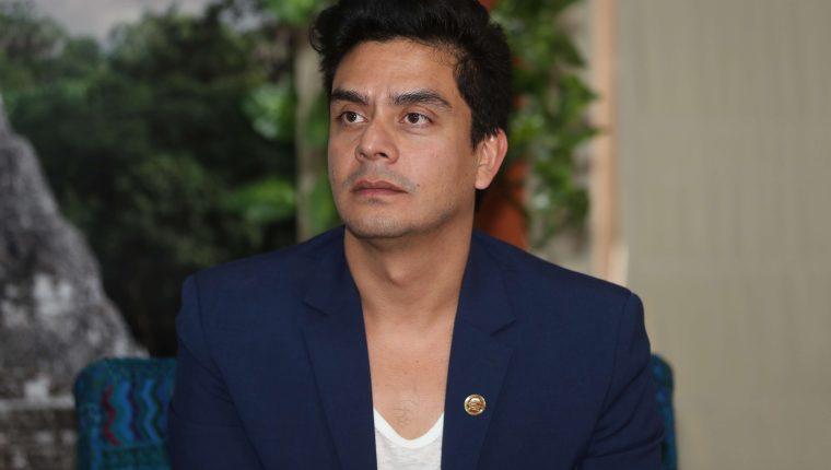 El cineasta guatemalteco Jayro Bustamante presentó su tercera película en Venecia. (Foto Prensa Libre: Jorge Ovalle)