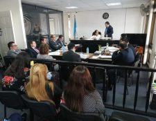Rosa López, jueza de Extinción de Dominio, inició el debate para resolver si más de Q12 millones del caso IGSS-Pisa-Chiquimula pasan a manos del Estado. (Foto Prensa Libre: Kenneth Monzón)