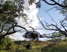Foto divulgada por la Patrulla Fronteriza durante el traslado de la migrante hacia el hospital.