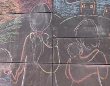 El Muro de la Libertad de Expresión, en Charlottesville, Virginia, Estados Unidos, retrata la travesía de la migrante indocumentada guatemalteca María Chavalán Sut.  (Foto Prensa Libre: Tomada de cbs19news.com
