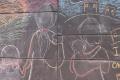 Un mural de tiza ilustra el viaje de la migrante guatemalteca que se refugia en iglesia metodista en EE. UU.