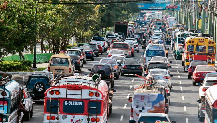 ¿Cuál es la multa por no pagar el impuesto de circulación y cómo saber si la SAT deshabilitó un vehículo?
