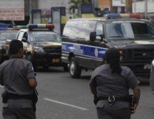 Los agentes penitenciarios también reclaman un aumento. (Foto Prensa Libre: Hemeroteca PL)