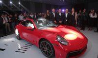 Representantes de Grupo Los Tres presentaron ante un grupo de clientes y amigos del nuevo Porsche 911.Foto Norvin Mendoza