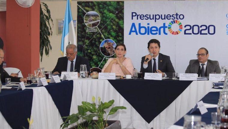 En diciembre las autoridades electas y de Gobierno realizarán un ejercicio de Presupuesto Abierto para fijar los nuevos techos, luego de la no aprobación del plan de gasto 2020. (Foto Prensa Libre: Hemeroteca)