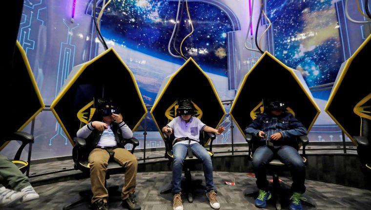 A través del juego Educación por la Justicia se busca que los niños aprendan sobre el ciberdelito. (Foto Prensa Libre: EFE)