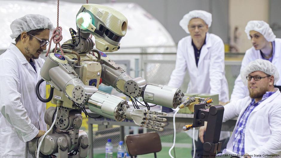 Nave con robot humanoide ruso se acopla a Estación Espacial Internacional