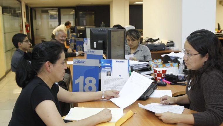 El Estado deberá trabajar normalmente el 12 de agosto. (Foto Prensa Libre: Hemeroteca PL)