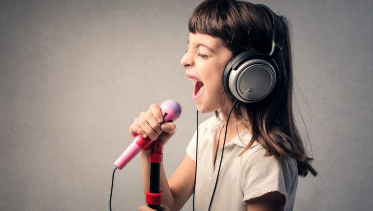 El canto tiene beneficios en el desarrollo de los niños. (Foto Prensa Libre: Servicios).