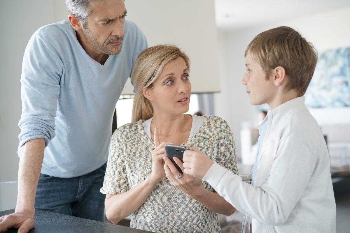 Recomendaciones para hablar con sus hijos sobre los peligros de la pornografía