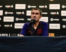 Ernesto Valverde, durante la conferencia de prensa del FC Barcelona. (Foto Prensa Libre: Twitter @FCBarcelona_es)