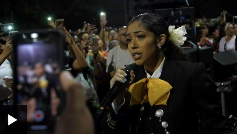 La emotiva canción de Juan Gabriel que un grupo de mariachis dedicó a las víctimas del tiroteo en El Paso.