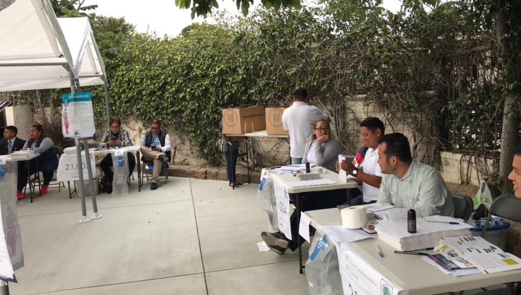 Estas elecciones fueron las primeras en las que se permitió el voto en el extranjero. (Foto Prensa Libre: Marco López)