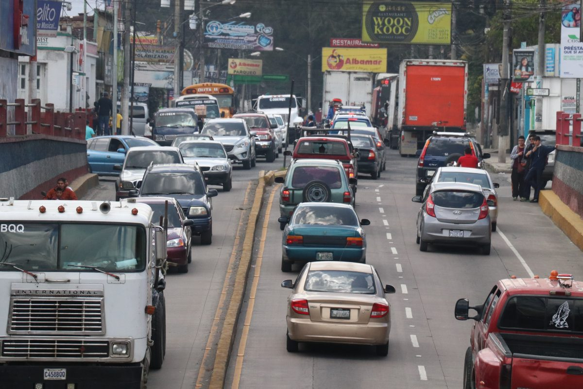 Quetzaltenango presenta pocas alternativas para controlar el incremento de la circulación vehicular