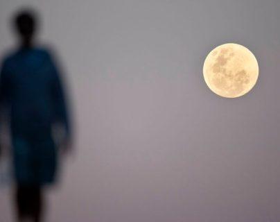 ¿Será que la Luna sí influye en nuestro humor y comportamiento?