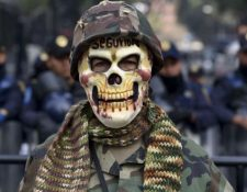 Según los relatos de los soldados, erradicar es un verbo que usaban para hablar de muerte, dice Daniela Rea. YURI CORTEZ/AFP/GETTY IMAGES