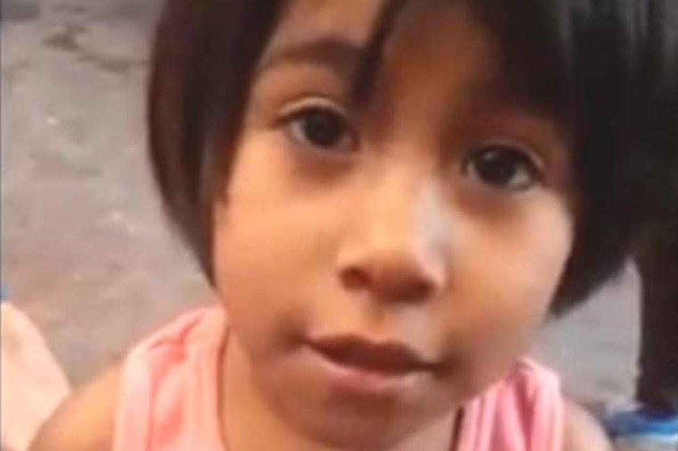 """""""Calcetitas rojas"""": el feminicidio de una niña de 4 años que causó conmoción en México"""