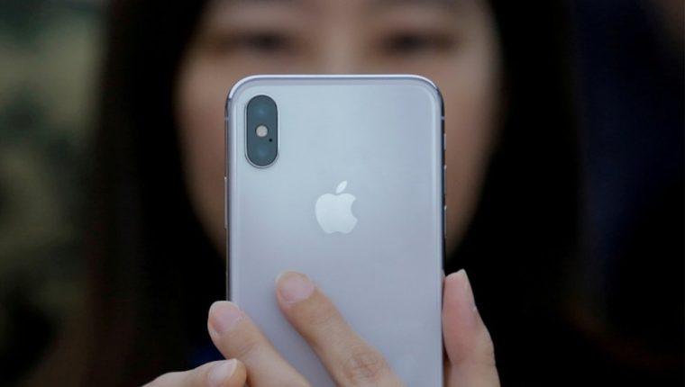 Derechos de autor de la imagen Reuters Image caption Según Apple, el hackeo de iPhones denunciado por Google se concentró exclusivamente en la comunidad uigur, una minoría étnica en la mira de las autoridades chinas. REUTERS