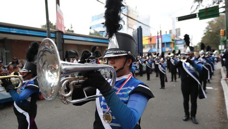 Por culpa de la pandemia no habrá desfiles este 15 de septiembre. (Foto Prensa Libre: Hemeroteca PL)