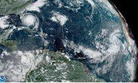 MIA15. MIAMI (FL, EEUU), 02/09/2019.- Fotografía tomada a las 14.00 horas locales (18:00 GMT) cedida este lunes por la Administración Nacional Oceánica y Atmosférica (NOAA) por vía del Centro Nacional de Huracanes (NHC) donde se muestra el paso del huracán Dorian sobre las islas Bahamas rumbo a las costas estadounidenses. Dorian, el segundo huracán más poderoso en el Atlántico desde que se tienen registros, continúa asolando el norte de Bahamas con vientos de 165 millas por hora (270 k/h) mientras se mueve muy lentamente hacia la costa de Florida, informó este lunes el Centro Nacional de Huracanes (CNH) de EE.UU. EFE/NOAA-STAR/NHC/SOLO USO EDITORIAL/NO VENTAS