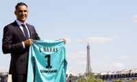Paris (France), 02/09/2019.- A handout photo made available by Paris Saint-Germain shows Costa Rican goalkeeper Keylor Navas during his presentation as a new PSG player in Paris, France, 02 September 2019. Spanish club Real Madrid transfered Costa Rican goalkeeper Keylor Navas to Paris Saint-Germain on 02 September 2019 for the next four seasons. (Francia) EFE/EPA/C.Gavelle/PSG HANDOUT HANDOUT EDITORIAL USE ONLY/NO SALES