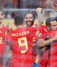 La Selección de España celebra el triunfo en su camino a la Euro. (Foto Prensa Libre: AFP)