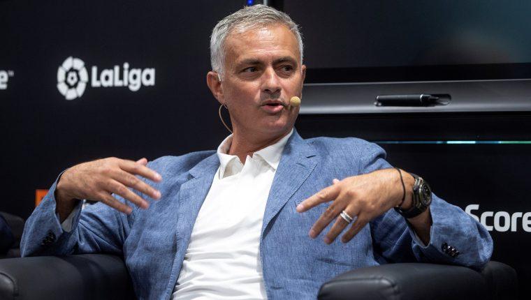 El técnico portugués José Mourinho, durante la presentación de LiveScore, la aplicación de resultados deportivos en directo. (Foto Prensa Libre: EFE)