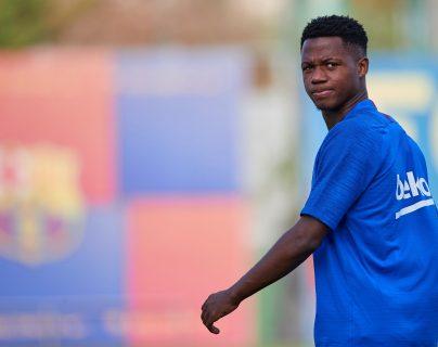 El jugador del Barcelona Ansu Fati durante el entrenamiento del equipo. (Foto Prensa Libre: EFE)