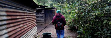 Isaías Juárez es cabeza de hogar en una humilde vivienda en Sacatepéquez, departamento de la zona central de Guatemala. (Foto Prensa Libre: EFE)