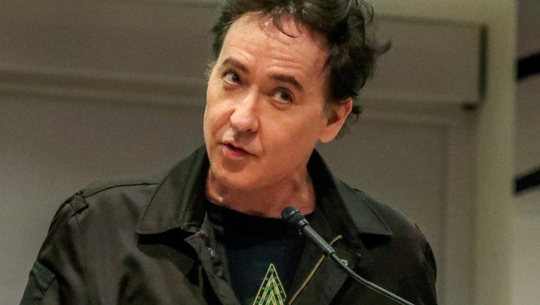 El actor John Cusack escribió sobre los supuestos peligros de la tecnología 5G en Twitter. (Foto Prensa Libre: EFE)