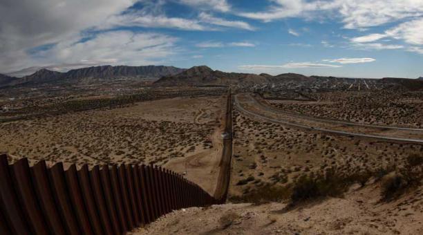 Los migrantes cruzan cada vez más lugares peligrosos  para llegar a EE. UU. (Foto: EFE)