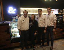 Directivos de &Café en la celebración de los 15 años de esta empresa guatemalteca. Foto Norvin Mendoza