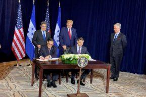 """EE. UU. y Honduras firman acuerdo a fin de """"fortalecer las capacidades de asilo en el Triángulo Norte"""""""