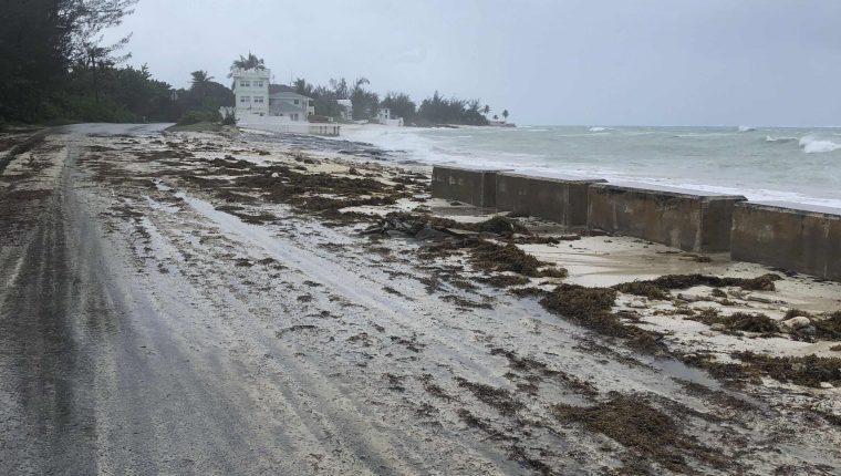 El huracán Dorian ha dejado varios estragos a su paso. (Foto Prensa Libre: AFP)