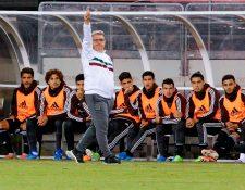El Tata Martino ha tenido un buen despunte con la tricolor. (Foto Prensa Libre: AFP)