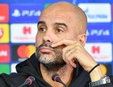 El entrenador del Mánchester City, Pep Guardiola confía que su equipo saldrá adelante en la Champions. (Foto Prensa Libre: AFP)