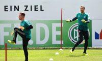 Ter Stegen y Neuer, los guardametas de la Selección de Alemania. (Foto Prensa Libre: AFP)