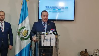 Giammattei habla sobre posibilidad de trabajo para retornados y habilitar el aeropuerto de Puerto San José