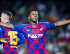 El delantero prodigio Ansu Fati anotó a los dos minutos frente al Valencia. (Foto Prensa Libre: FC Barcelona)
