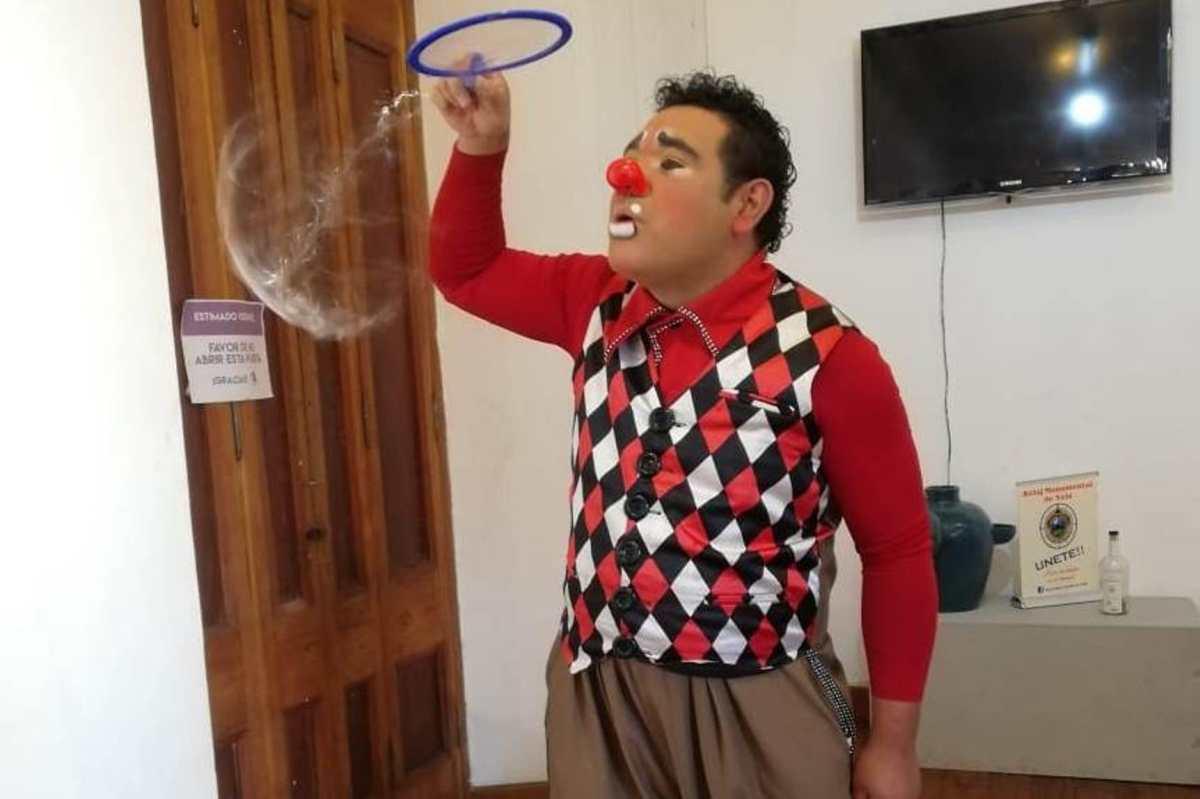 """""""Niños Ayudando Niños"""", el proyecto que pretende recaudar incaparina por medio de un show de burbujas"""