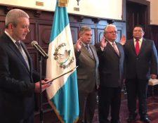Los comisionados, que fueron retirados de CNEE septiembre del 2019, fueron juramentados en  mayo del 2017 para un plazo de 5 años, el cual no se cumplió. (Foto, Prensa Libre: Gobierno de Guatemala).