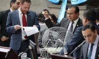 Momento en que el Congreso selecciona a los cinco pesquisidores para magistrados de la CC. (Foto Prensa Libre: Hemeroteca PL)