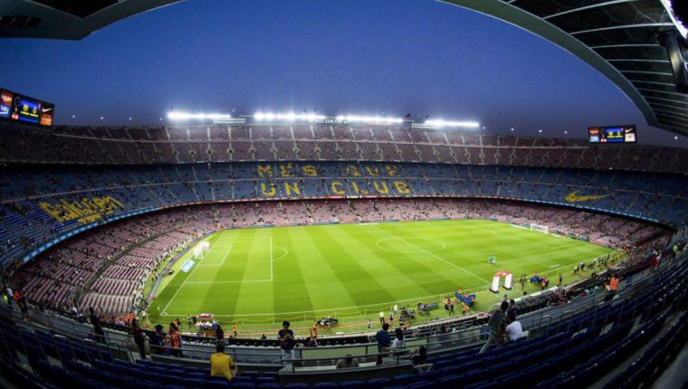 El primer Clásico de la temporada 2019-2020 será en el Camp Nou de Barcelona. (Foto Prensa Libre: Twitter)