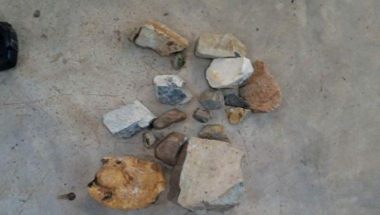 Algunas de las piedras de jade incautadas. (Foto Prensa Libre: Ministerio Público).