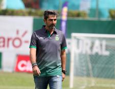 El técnico guatemalteco Fabricio Benítez jugará su segundo partido con Guastatoya frente a Antigua GFC. (Foto Prensa Libre: Carlos Vicente)
